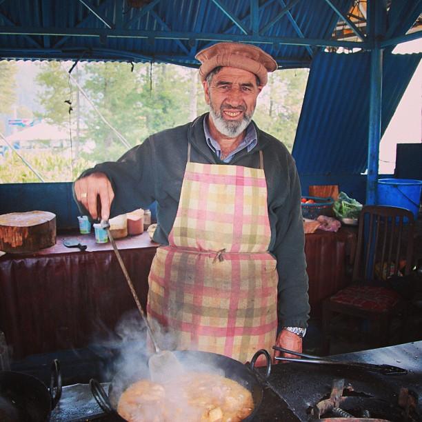 Chicken Karahi Bhaijan ! | Afaq Restaurant, Nathiagali | Khyber Pakhtoonkhwa Province, PAK
