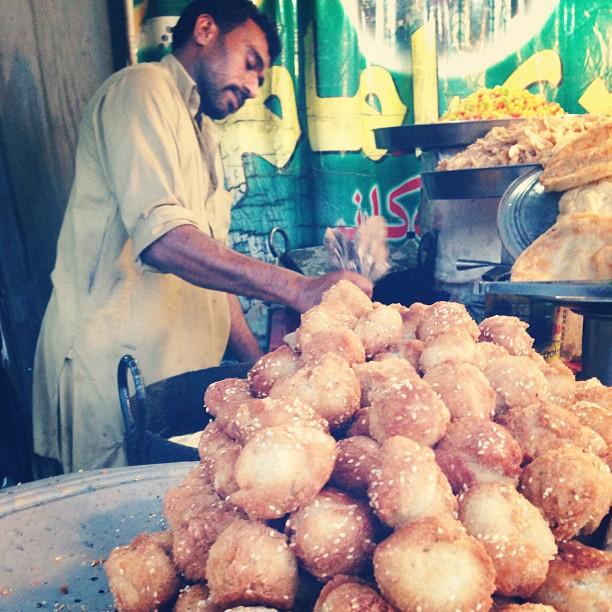 Cucoq Manis | Hawker Stall Near Bari Imam, Isloo PAK