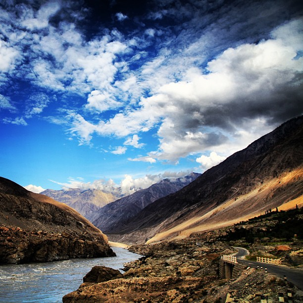 The Mighty Indus River | Along the Karakoram Highway | Near Chilas | Road Less Travelled | Gilgit-Bastistan | Northern PAK