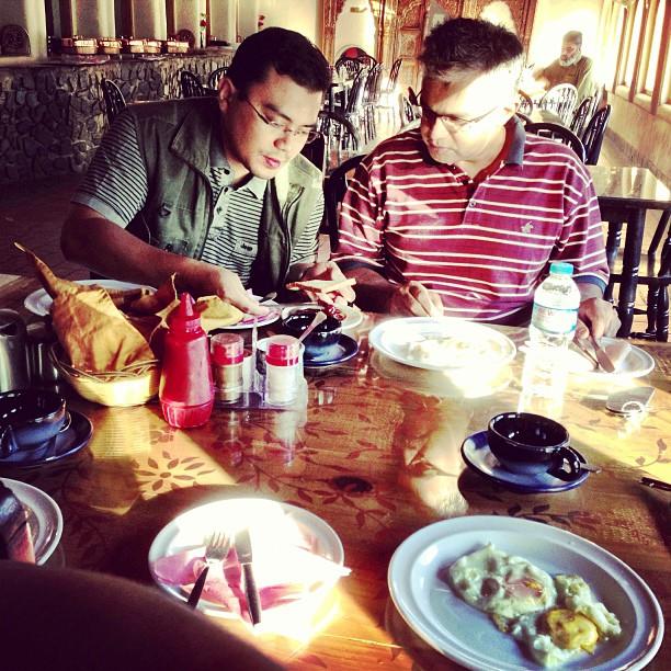 Kita Makan Dulu ! | Breakfast Is Ready Sharp at 0630hrs | Telur Mata Kobao Pun Ada | Shangrila Indus View Hotel | Day 2 via the Karakoram Highway | Chilas | Northern Pakistan