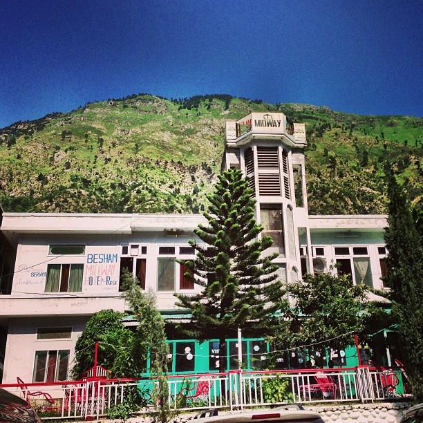 Lunch at This Midway Hotel, Four Seasons Tuh!   Besham Qila   Karakoram Highway   Shangla District   Khyber Pakhtoonkhwa Province, Pakistan