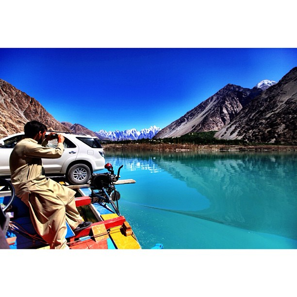 Our Driver Saddar Tariq, Our Fortuner Crossing the 30km #Attabad Lake | The Water Is Damn Cold, -20'c Jer Suhunya | #Hunza Valley | Gilgit-Baltistan, Northern #Pakistan