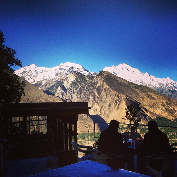 Menghayati Keindahan Alam | Sambil Minum Chai di Balcony | Eagle Nest Hotel, Duikar | Hunza Valley | Gilgit-Baltistan, Northern Pakistan