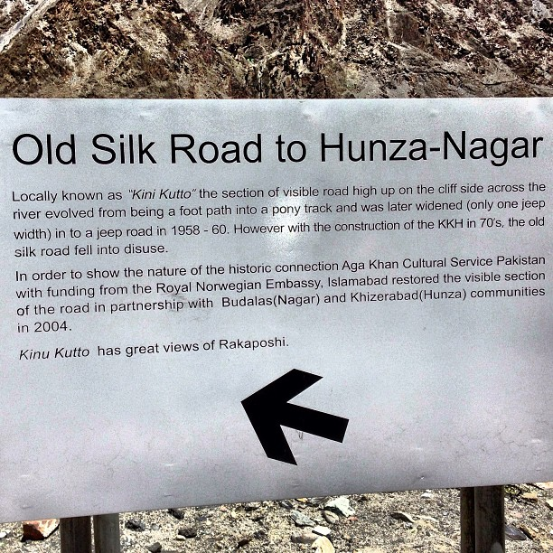 Close Up of the Signboard | Kinu Kutto | Karakoram Highway | Hunza Valley | Gilgit-Baltistan, Northern Pakistan