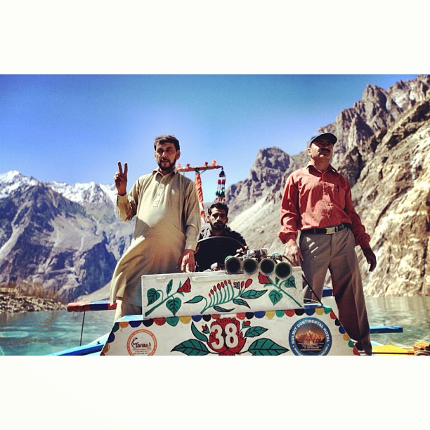 Peace Yaw ! | Crossing the #Attabad Lake | Near Gojal / Sishkat / Gulmit | #Karakoram Highway | #Hunza Valley | Gilgit-Baltistan, Northern #Pakistan
