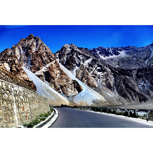 Newly Constructed Road & The Beautiful Scenic View | Gulmit to Passu | The Journey From Gojal to Gulmit to Passu | #Karakoram Highway | Gilgit-Baltistan, Northern #Pakistan
