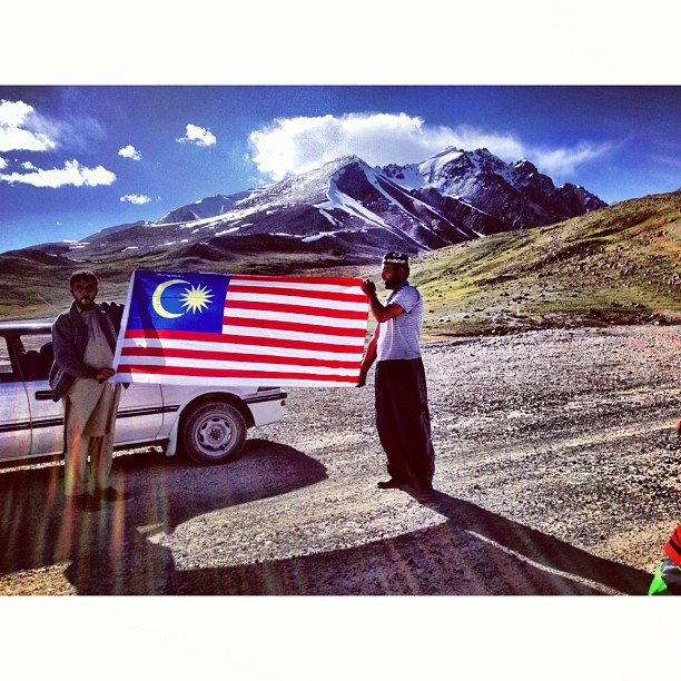 Our Driver | Pakistan-China Border | #Khunjerab Top | Khunjerab Pass at Elevation of 4,700m | Still Snow Here & Damn Cold | #Karakoram Highway & Friendship Highway | Highest Paved Road In The World | #Gilgit-Baltistan Region | Northern #Pakistan