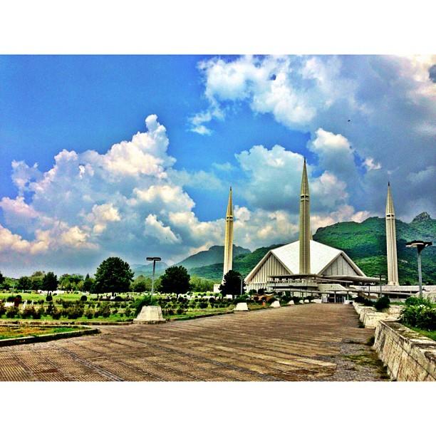Hati Tertawan Dengan Awan Gemawan | Faisal Masjid | Faisal Avenue | #Islamabad, Pakistan