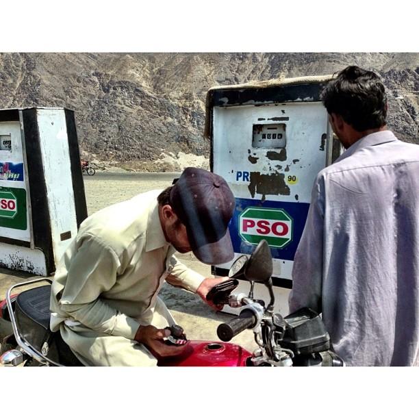 Betul Ke Petrol Ni Bro? | #Chilas Town | #Karakoram Highway Journey | #iPhoneography | #Gilgit-Baltistan Region | Northern #Pakistan