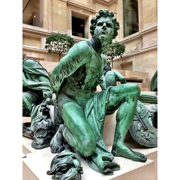 Ada Aku Kisah ? | Musee du Lourve | Overrated Destination | City of Love | iPhoneography | #JJCMPaghis | Paris, France