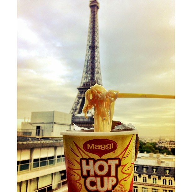 Because Baguette Is Too Mainstream | Escargot de Maggiui Karriey | Tour de Eiffel | #JJCMPaghis | iPhoneography | #Paris, France