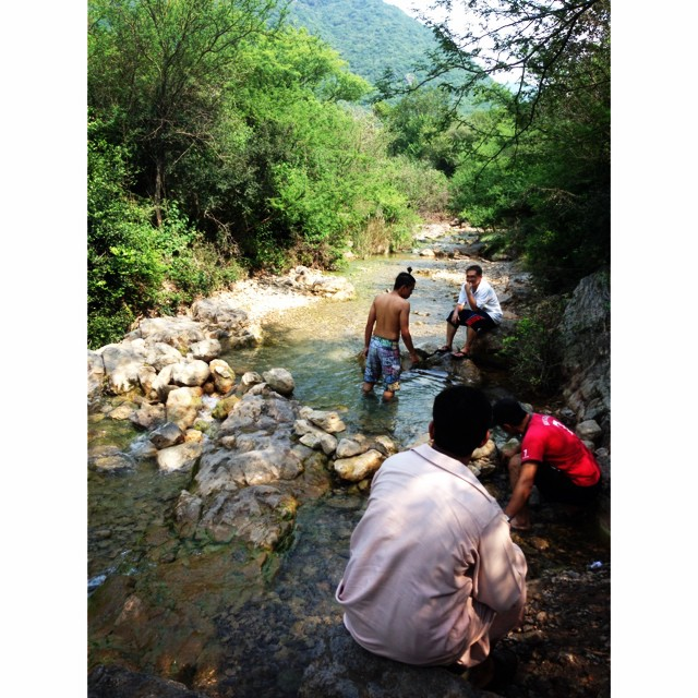 Busy Buat Kolam Sendiri, Paras Lutut Je ! Haha | Back to Nature | Less Water Today | Mandi-Manda & Picnic Ikan Bakar | Autumn 2013 | #iPhoneography Adventure Trail | #Trail5 #Margalla Hill National Park | #Islamabad, Pakistan
