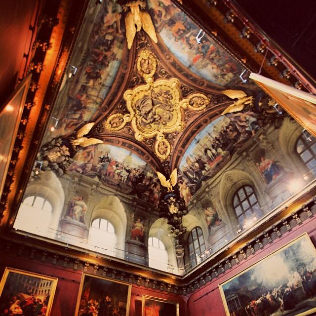 Ceiling Artwork | Musee du Louvre | Besaq Giler Muzium Ni | #JJCMPaghis | #iPhoneography | Paris, France
