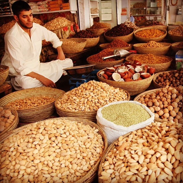 Dried Fruits Walla | Raja Bazaar | Spring 2012 | #Rawalpindi, #Pakistan