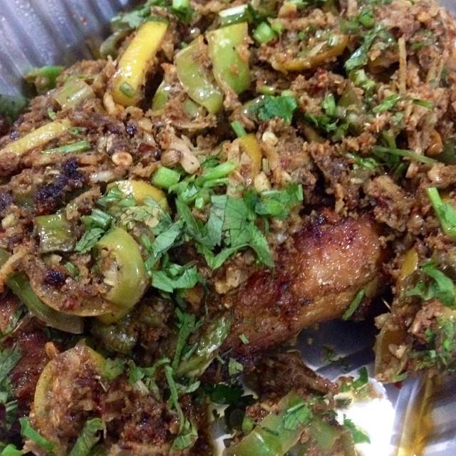 The Best Spicy Chicken #Tawa In The World | #Tehzeeb Restaurant #F8 | Winter 2013 | #Islamabad, Pakistan
