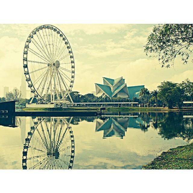 Reflection | Eye On Malaysia | Taman Tasik Titiwangsa | Suatu Ketika Dahulu | Kuala Lumpur, Wilayah Persekutuan | Malaysia