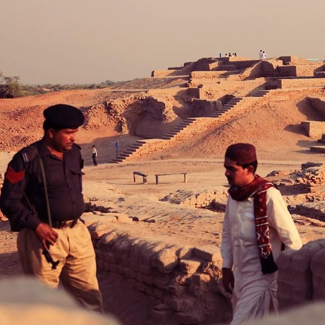 Back to the Ancient Times of Indus Civilisation | Autumn 2011 | #PanasSiot #SejarahBukuTeks #Throwback #SerikTakNakPegiLagi #CukuplahSekali #MakeUpMelted #iPhoneShutdown #51CelciusJer #GalaxySCair | Mohenjo-Daro Ruins. Mohenjo-Daro | Near Larkana | Sindh Province, Pakistan