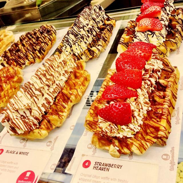 Senyum Tak Perlu Kata Apa2 | KLCC | #WaffleMeister | Kuala Lumpur | Malaysia