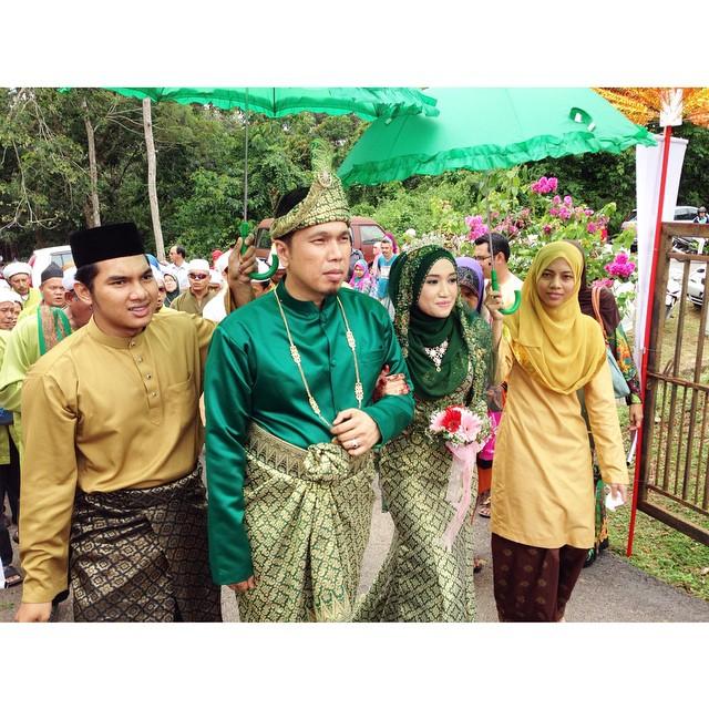 Wedding Reception #SyikinSyukri @syikinzaabar | #Chenderah | Melaka | #AyamGolek #16Nov2014 #CendolPunAda #MusicalTerbaek #YaHanana