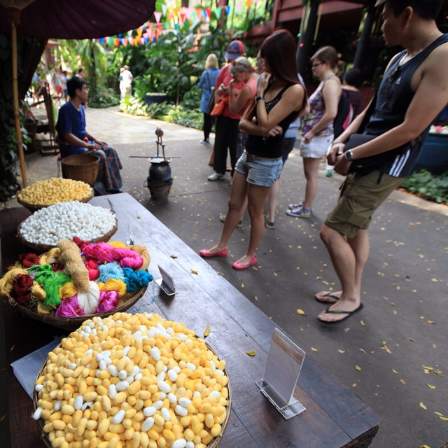 The Making of Thai Silk | #JimThompson House | Near BTS National Stadium | #JJCMBKK2014 | Land of Smile | #Bangkok | Thailand